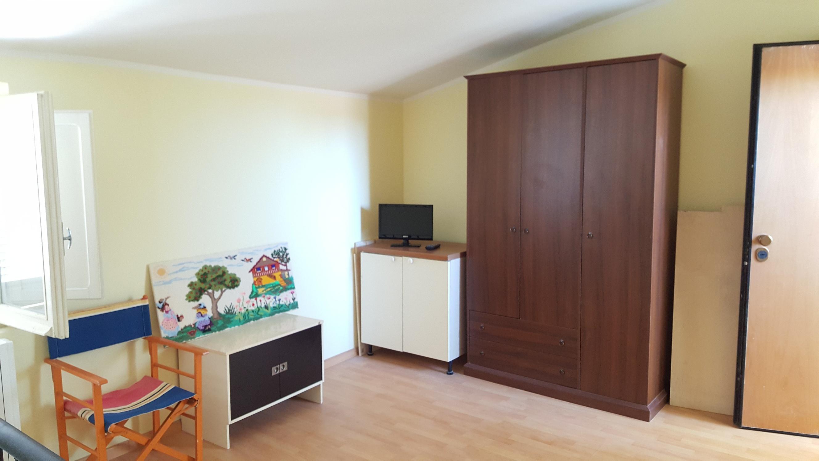 Vendita appartamento pesaro italcase agenzia for Arredamento per agenzia immobiliare