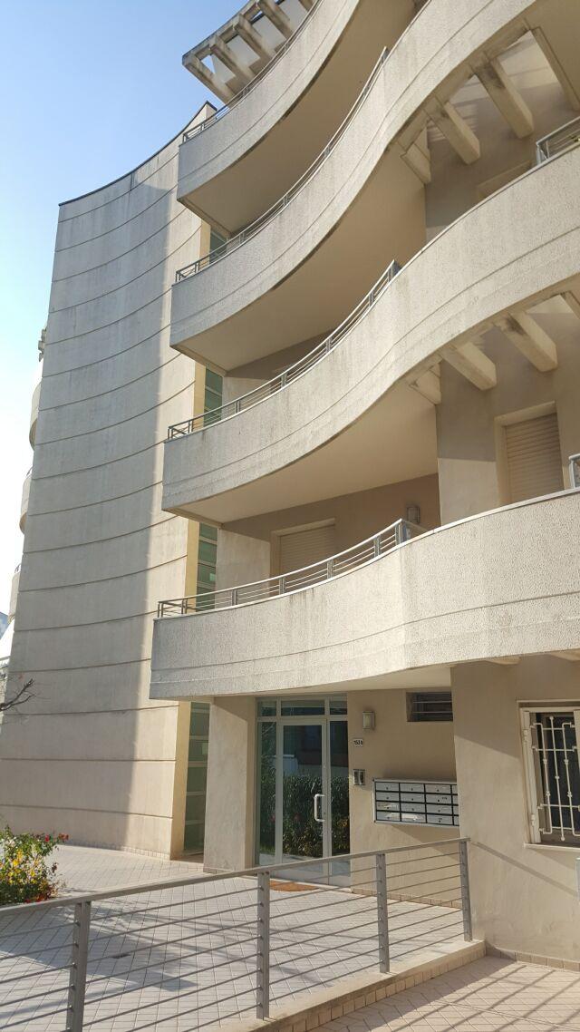 Vendita appartamento cattolica italcase agenzia for Arredamento agenzia immobiliare