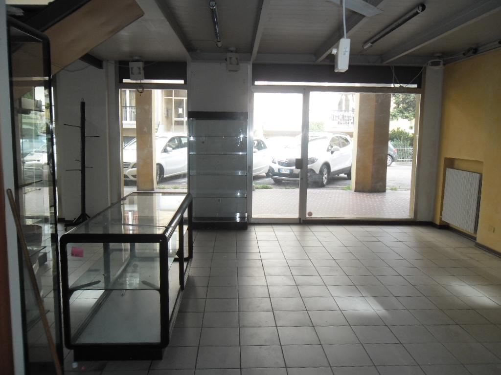 Locale commerciale Negozio-Condominiale-Pesaro